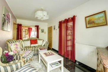 A la recherche d'un appartement haut standing à la frontière luxembourgeoise' Venez découvrir sans tarder ce bien d'exception !!  RE/MAX, spécialiste de l'immobilier au Luxembourg et sa Grande Région, vous propose en exclusivité ce magnifique appartement entièrement rénové avec beaucoup de soin, et uniquement des matériaux nobles.  Au rez-de-chaussée d'une maison bi-familiale sise sur un terrain de 7 ares 84 à OTTANGE-NONDKEIL, il vous offre 190 m2 utiles dans une rue calme, proche de toutes commodités.   Entrée par cour privée avec vidéophone et portail, le premier niveau se compose d'un living lumineux de plus de 30 m2, d'une cuisine neuve entièrement équipée semi-ouverte sur un salon d'appoint.   Une salle de bain moderne avec double vasque, WC, bidet, baignoire encastrée et grande douche italienne; ainsi qu'une chambre de 30 m2 avec dressing, viennent compléter cet étage.  Au sous-sol, 98 m2 aménagés, carrelés et chauffés, répartis sur deux chambres (pouvant également faire office de bureau, salle de sport ou de jeux, ...), une seconde cuisine équipée et  fonctionnelle.  La chaufferie contient une installation récente, dans un espace de 26 m2 accueillant aussi une douche et un lavabo (possibilité d'y loger un sauna ou un jacuzzi).   Au bout du couloir central, une salle d'eau avec toilettes: également une cave à vin, à l'hygrométrie idéale, viennent parfaire le sous-sol.  Cour privée de 45m2 donnant sur le jardin, avec possibilité d'y placer une véranda ou une pergola.  Le prix comprend l'ensemble du mobilier, ainsi qu'un garage indépendant de 35m2 avec porte motorisée, eau et électricité avec compteurs indépendants.  Taxe foncière: 470'/an - Eau et taxe d'assainissement: 150'/trimestre   Objet unique - Disponible immédiatement.  Mr DUPUIS Cyril : +352 621 293 088 - partners@remax.lu  !!! Possibilité d'acquérir le bien en location avec option d'achat : opportunité à saisir !!! Ref agence :5096018