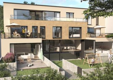 Luxembourg-Muhlenbach  En construction   Appartement 2.3 (lot 036) neuf situé au deuxième étage avec une surface habitable de +/- 100,99m2 se composant comme suite: d'un hall d'entrée, deux chambres à coucher dont chacune dispose d'un balcon de +/-5,87m2 et 6,48m2, d'une salle de douche, d'un WC séparé, d'un vaste living avec une cuisine ouverte donnant accès à la terrasse de +/- 18,45 m2 et d'un jardin privatif de +/- 58,48 m2.  Possibilité d'acquérir un emplacement intérieur à partir de 59.000€/TVA 3% incluse.  Le prix de vente est affiché avec une TVA 3% incluse.   N'hésitez pas de nous contacter en cas d'interêt : info@newgest.lu  ou 691125293