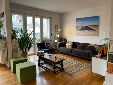 A louer : appartement lumineux 2 chambres à Luxembourg-Gare. L'appartement de 70m2 avec balcon se trouve au 2e étage d'une petite résidence de 4 unités.  A proximité immédiate des commerces, restaurants, école fondamentale, crèches, lycées.  Très bonne connexion aux transports publics.  L'appartement comprend: - 1 grand living / cuisine ouverte avec accès balcon - 2 chambres à coucher  - 1 salle de bains avec WC - 1 cave privative - 1 buanderie commune - pas d'ascenseur  Loyer : 1.500 € - Avances/charges : 150 € Caution : 3 mois de loyer mensuel Frais d'agence : 1.500 € + TVA 17%  Pour plus d'informations:  LX2 Immo Antonio : +352 691 303 720 Christian : +352 621 267 750