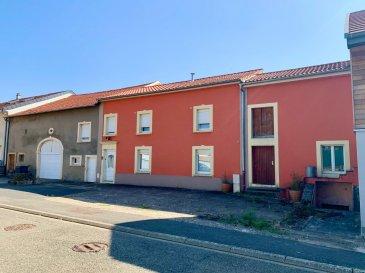 CONTACT : Sophie Becker Zanini  Spaceplus Soleuvre Gsm : +352 661 33 00 22 / + 33 6 64 33 60 60   SITUATION : Breistroff La Grande F-57570 entre Hettange-Grande F-57330 et Frisange Luxembourg L-5750 ( à moins de 10 mns). Breistroff-la-Grande et son Espace Aquatique Cap Vert se trouve à seulement 2 mns de Rodemack F-57570,  Cité Médiévale, Rodemack est classé parmi les plus beaux villages de France.  Venez découvrir ce bel ensemble immobilier au fort potentiel ! Ce corps de ferme des année 1830 édifié sur plus de 10 ares de terrain est composé d'une partie habitation de plus de 190 m2, de grandes dépendances, garages, cave voutée et jardin. Sur plus de 27 mètres de façade, vous bénéficierez d'emplacements parking extérieurs pour au moins 10 véhicules ainsi que de plus de 700m2 au sol à développer (en habitation, garages et caves suivant vos futurs besoins) La partie habitation dispose actuellement de 193 m2 habitables sur deux niveaux. La toiture a été entièrement refaite en 2011.  Pour votre confort,  la maison est entièrement isolée, équipée de fenêtres  double vitrage,  d'un chauffage radiateur au gaz ainsi que d'un poêle à bois. Au rez-de-chaussée, la maison se compose comme suit : Une entrée de plus de 6 m2, une très grande cuisine de 30 m2 avec accès  au jardin,  un espace salon ouvert sur salle à manger, une buanderie chauffée avec fenêtre, un toilette séparé, et un débarras. A l'étage,  5 grandes chambres dont une avec dressing, un bureau, une salle de douche avec toilettes, un dégagement. Au calme et exposé Sud, vous apprécierez le jardin clos et arboré de cet propriété au potentiel indéniable. A visiter sans attendre ! Idéal Investisseurs ! Idéal pour votre famille,  ou même pour une famille désireuse d'habiter et d'investir en partie dans un secteur très prisé ? !!! ( La partie habitation / granges / dépendances peuvent être facilement divisées …) Disponibilité Printemps 2021