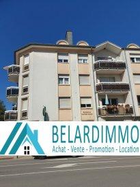 Belardimmo vous propose en exclusivité un magnifique appartement duplex de 165m² au sol entièrement rénové, situé dans l'agréable ville de Mondorf-les-Bains, le duplex est au 3eme et dernier étage   combles de la résidence, il est composé comme suit: