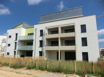 Très bel appartement neuf de 66 m2 à Vendenheim Construction achevée début 2017, jamais occupé  Vous y trouverez un lumineux séjour de 22 m2 accédant à la terrasse plein sud de 8 m2; une cuisine de 7m2, deux chambres de 11m2 et 10m2, ainsi qu'une salle de bain avec douche  un garage complète l'équipement de cet appartement  Honor. 5% inclus.  Copropriété de 16 lots principaux. Montant moyen mensuel de la quote-part du budget prévisionnel à la charge du vendeur pour les dépenses courantes : 60e.