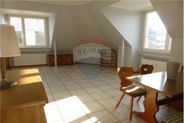 Studio à vendre à Esch/Alzette RE/MAX spécialiste de l'immobilier au Luxembourg vous propose à la vente en exclusivité un studio situé à Esch/Alzette, d'une surface habitable d'environ 44m2.  Ce studio se compose comme suit:  - Pièce à vivre/chambre, double orientation  - Une cuisine équipée séparée - Salle de bain avec toilettes.  Ce lumineux studio se trouve au cinquième et dernier étage (avec ascenseur) d'une résidence bien entretenue.  Disponibilité à convenir.  commission   TVA à charge du vendeur