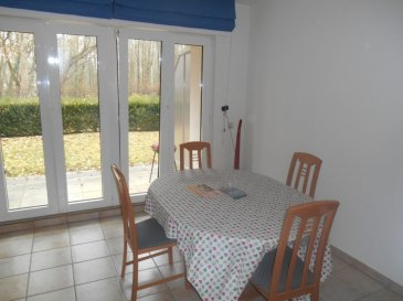 Joli studio entièrement meublé et équipé avec belle terrasse donnant sur le jardin