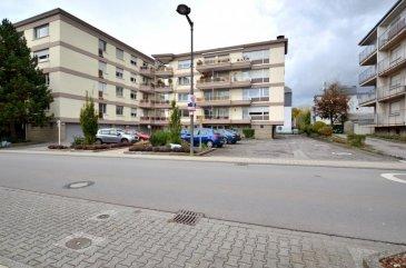 Isma BAUER RE/MAX, spécialiste de l'immobilier au Grand-Duché, vous  propose en  LOCATION cet appartement  meublé dans une résidence à Strassen.  Il vous offre une superficie de 32m², avec une décoration