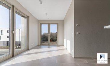 L'appartement, se situe dans le paisible village de Contern, dans la résidence ORFEO composée de 7 unités, dit «de luxe», construite avec des matériaux de qualité en 2021 et bénéficiant de tout le confort moderne. La résidence est ultra sécurisée avec système de badges pour ouvrir les portes et systèmes de caméras surveillance dans les parties communes.   L'appartement de ±45,61m² situé au 1er étage se compose comme suit: la porte blindée en cinq points s'ouvre sur un hall ±1m², donnant accès à un séjour de ±30 m² avec une cuisine ouverte et totalement équipée SIEMENS (frigidaire, congélateur, évier, plaque de cuisson, hotte à charbon …); une chambre de ±11m²; une salle douche de ±5m²avec lavabo, miroir, douche à l'italienne et wc,  Au sous-sol, une cave servant également de buanderie privative est incluse dans le loyer. Une place de parking peut être louée pour 150-€ par mois,  Généralités:  Vidéophone; Fibre optique; Chauffage au sol; Performances énergétiques: AAA; Triple vitrage; Stores à lamelles électriques; Ascenseur; Porte blindée en 5 points; Pas de clé, accès à l'ensemble de la résidence par badge; Wifi et abonnement TV (Eltrona) inclus dans les charges; Place de parking dans garage sécurisé en option pour 150-€/mois; VMC «PAUL», les filtres peuvent être adaptés contre certaines allergies; 10 minutes de Luxembourg-ville; Station de bus à proximité;¨ Nouveau centre commerciale de Contern à proximité avec supermarchés, restaurants, …  Loyer: 1500-€/mois; Charges: 200-€/mois (inclus abonnement wifi, abonnement tv, charges communes, consommation eau, consommation chauffage, nettoyage des communs, gérance, assurance locative); Garantie bancaire ou dépôt: 3 mois de loyer; Disponibilité immédiate; Frais d'agence: 1 mois de loyer +TVA 17%;  Agent responsable: Pierre-Yves Béchet; Tél: +352 621 654 086; Email: Pierre-Yves@vanmaurits.lu  Ref: 1.3