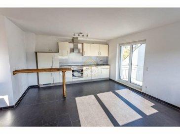Real G Immo vous présente ce bel appartement de +/- 72m² situé au 3ième étage sans ascenseur à Lintgen.<br><br>Ce bien se compose comme suit:<br><br>- Hall d\'entrée avec armoire encastré, <br>- Salle de douche avec raccordement pour machine à laver, <br>-  wc séparé,<br>- 2 chambres à coucher,<br>- Cuisine équipée ouverte sur le living avec accès à une balcon de +/- 5m²,<br><br>A ce bien s\'ajoute une cave privative, une buanderie commune, ainsi que 2 emplacements parking (1 intérieur et 1 extérieur).<br><br>Pour plus de renseignements ou une visite des lieux (également possibles le samedi sur rdv), veuillez nous contacter au 28.66.39.1.<br><br>Les prix s\'entendent frais d\'agence de 3 % TVA 17 % inclus.