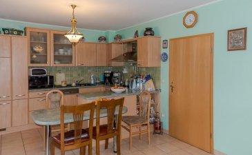 Homesell vous propose un beau Duplex en plein centre de Dudelange d'une surface utile de +- 140 m² (dont 32 m² >2m).  Ce bien qui se trouve au troisième étage (sans ascenseur) se compose comme suit :   - à l'étage principale, nous avons un grand hall donnant accès au living, salle à manger et cuisine ouverte ; salle de bains avec douche italienne (colonne de douche à jets latéraux) ; 2 grandes chambres à coucher (16,50 m² chaque) ; placard encastré dans le couloir.  - à l'étage au-dessus, nous avons un hall ; une buanderie ; salle de douche et 2 grandes chambres à coucher partiellement mansardés (19 m² et 13 m²).  - cave privatif, petit jardin et un emplacement extérieur.  Contactez-nous pour une visite! Tél.: 281122-1 ou info@homesell.lu Ref agence :6