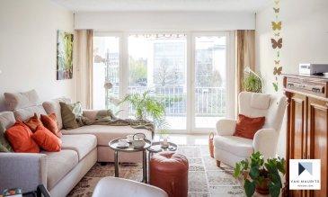 Situé àStrassen, au 2ème étage d'une petitecopropriétéde 16 unités, cet appartement lumineux avec vue imprenable sur le parc et centre de strassen et secompose commesuit:  Le hall d'entrée ± 5 m² s'ouvre sur le séjour ± 27 m² avec accès à un balcon ± 10 m² profitant d'une jolie vue sur parc, la cuisine séparée et équipée ± 12 m², une chambre séparée ± 15 m² et une salle de bain ± 5 m² avec wc séparé.  Un garage fermé ± 15 m², une cave et une buanderie commune complètent l'offre.   Généralités:  - Quartier recherché, proche du centre-ville et toutes commodités ; - Environnement calme ; - Voletset marquise ; - Pierretravertin dans le living, hall d'entrée et w.c, parquet dans la chambre et carrelage dans les sanitaires ; - Chauffageau gaz de ville; - A proximité du centre commercial Belle-étoile et City Concorde; - A deux pas du centre wellness les thermes;    Contact :GeoffreyDEPRE E-mail :geoffrey@vanmaurits.lu Mobile :(+352) 661.127.777