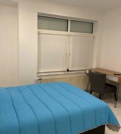 Chambre meublée à louer à Dudelange  Chambre meublée rénovée à louer dans le quartier de l'Hôpital proche du centre Ville de Dudelange.   La chambre possède : - Un Lit, Chaise, table, frigo, miroir, télé, , salle de douche, WIFI  - Cuisine commune, buanderie commune.  Loyer : 850,00€ Caution : 2 mois de loyer Frais d'agence : 1 mois de loyer + 17% TVA  Disponible de suite  Durée de location : minimum 3 mois   Pour plus d'informations, contacter : Acacio da Silva 621195861