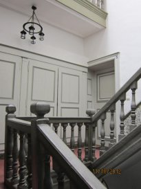Rue Sainte Marie, proximité fax, studio au 1er étage sur rue, entrée, kitchenette, salle de bains-wc, une pièce principale, chauffage ind.électrique.