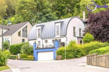 New Keys vous propose en exclusivité cette magnifique maison idéalement située sur les hauteurs de Lorentzweiler.  Construite en 2001 sur un terrain de 6,9 ares cette grande maison de ± 270m² dont ± 194m² habitables se caractérise pour sa luminosité, sa situation calme et une vue magnifique.  Elle se compose comme suit :  Au rez-de-chaussée : Hall d'entrée; Grand salon de 33m² avec sortie sur une terrasse et au jardin; Cuisine équipée fermée avec accès à la terrasse; Salle de bains; 1 chambre de 10m²;  Au 1er étage : 3 chambres de ± 21, 16,16m² ; Salle de bains avec douche et baignoire ;  Au sous-sol Garage pour 2 voitures à cote ; Chambre avec salle de bains; Cave à vin; Buanderie; Chaufferie; Trois emplacements de parkings extérieurs;  Dans a cadre verdoyant et calme, proche de toutes commodités: crèches, écoles, commerces, Accès facile vers la ville de Luxembourg, Kirchberg et l'autoroute.  A visiter rapidement.  N'hésitez pas à nous contacter au 27 99 86 23 ou par mail info@newkeys.lu pour plus d'informations ou une éventuelle visite.   COVID: Pour votre sécurité, nos visites sont effectuées avec des masques, des gants et limitées à 3 personnes par visite.  Nous recherchons en permanence pour la vente et pour la location, des appartements, maisons, terrains à bâtir pour notre clientèle déjà existante. N'hésitez pas à nous contacter si vous avez un bien pour la vente ou la location. Estimation gratuites.  Les prix s'entendent frais d'agence de 3 % TVA 17 % inclus dans le prix et payable par le vendeur.  -- EN --  New Keys is proposing this wonderful house situated on the hills of Lorentzweiler. The whole property of 270m2 was built in 2001 on 6,9 ares, located in a calm neighbourhood. The habitable 194m2 are characterised by their brightness and magnificent view.  The house is composed as follows:  Ground floor: Entry hall; Big living room of 33m2 with access on the terrace and garden; Fully equipped kitchen with access on the terrace; Bathroom; Room of 10m2  1st