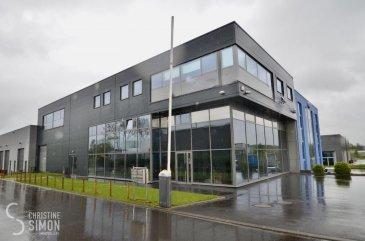 L\'agence immobilière Christine SIMON vous présente en exclusivité cette location d\'un local commercial (bureau) de 52,33 m2 dans une zone industrielle de Niederkorn.<br>le bureau se trouve au 2 ème étage.<br><br><br>Un énorme parking public gratuit à quelques pas de l\'immeuble.<br>Disponibilité 1.10.2021<br>Bail de 3 ans <br><br>Loyer 800,38 € + 17 % de TVA (électricité et clima inclus)<br><br>Caution de 3 mois<br>Frais d\'agence: 1 mois de loyer + TVA 17 %, à charge du locataire<br><br>Pour de plus amples renseignements n\'hésitez pas à contacter l\'Agence immobilière Christine SIMON au numéro 265300301 ou par mail au info@christinesimon.lu - visitez notre site internet: www.christinesimon.lu<br><br>Nous sommes en permanence à la recherche de maisons, appartements ou terrains pour nos clients solvables.<br>Vous pouvez nous contacter pour estimer votre bien avant de le mettre en vente, estimation précise si vous le souhaitez.<br>