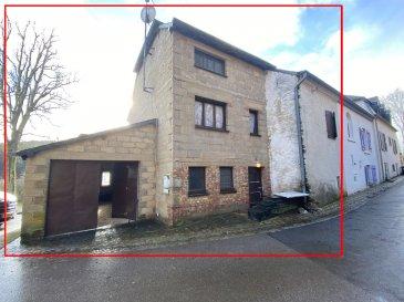 A vendre dans le village de Wolwelange, situé à 5 minutes de la frontière belge, maison jumelée de 170m².  Maison en gros-œuvre fermé sur 2 niveaux et 1 grenier, beaucoup de possibilité d'aménagement.  La maison est situé sur un terrain de 1,80ares, avec garage.