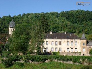 ****VENDU***Le site du Château de Moestroff, dont les fondations remontent au 13e siècle, comprend un corps de logis principal (A) une aile d\'habitation (B) annexée à l\'arrière, un bâtiment agricole (grange/écuries) à l\'avant (C) et de vastes espaces et aménagements tout autour, le tout sur un domaine partiellement clos de 81 ares 04 centiares. Le Château de Moestroff est classé monument national. <br><br>Le site du Château, adossé à l\'Est au village de Moestroff, est protégé du côté de celui-ci par un mur d\'une hauteur de +- 3,50 m. Du côté opposé, le domaine confine avec la rivière Sûre qui longe le fonds sur +- 110 m. Contrairement à ce qu\'on pourrait supposer, la partie Est de la parcelle, longée par la rivière Sûre, n\'appartient pas à la zone inondable.<br><br>Le bâtiment se compose comme suit:<br>° Corps principal (A)<br>° Aile latérale (B)<br>° Granges (partiellement démolies) (C)<br>° Portail d\'entrée (D)<br>° Cour principale (E)<br>° Cour intérieure sud (F)<br>° Terrasse arrière (G)<br>° Plan d\'eau (H)<br>° Caves vin mousseux (Sektkellerei Schloss Moestroff)  (I)<br>° Tourelle<br>° Escalier jardin<br>° Parc<br><br>Eléments d\'appréciation favorable:<br>- Le classement du site comme monument national<br>- L\'assistance gratuite d\'un architecte du Service des sites et monuments<br>- Les subventions étatiques pour travaux<br><br>Eléments d\'appréciation défavorable:<br>Les bâtisses se trouvent dans un mauvais état général, notamment en raison de la dégradation avancée des toitures et de la menuiserie extérieure.<br><br>Situation géographique:<br>La localité de MOESTROFF est sis à +- 7KM de Diekirch, +- 11 KM de Ettelbruck et à 22 KM de Echternach. Ces villes offrent toutes les facilités qu\'exige la vie courante (commerces, grandes surfaces, lycées, hôpital régional, banques, médecins, pharmacies, gare, etc)<br><br>Pour tous renseignements supplémentaires contactez-nous aux numéros suivants :<br>Carine DEI CAMILLO  621 45 32 08<br>Pascal POOS        