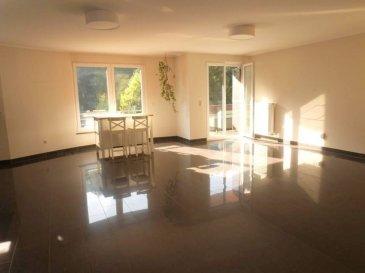 NEW KEYS vous propose à la vente ce très bel appartement de +/- 103m2, idéalement situé dans une résidence récente, à Rollingergrund. Il est composé comme suit : - un salon/ salle à manger lumineux avec cuisine équipée ouverte et accès à un balcon sans vis à vis, vue magnifique sur le bambesch - 2 chambres spacieuses - 1 salle de bain avec double vasque, et wc - 1 wc séparé - 1 débarras  L'appartement dispose également d'une cave, d'un emplacement de parking intérieur, d'une buanderie commune, et d'un jardin commun à la résidence. Disponible immédiatement   Pour plus de renseignements et/ou demandes de visites merci de contacter le 691149362 ou par email jheymann@newkeys.lu.