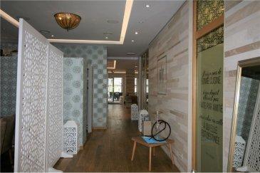 Fond de Commerce / Restaurant à Luxembourg - Gare RE/MAX spécialiste de l'immobilier à Luxembourg, vous propose ce magnifique restaurant (fonds de commerce) à Luxembourg - Gare.   Idéalement situé, le restaurant est composé comme suit:   - une salle de 125m2 au rez-de chaussée avec sa terrasse de 72m2 pouvant accueillir plus de 100 couverts - un ascenseur pour ce rendre au WC qui se trouve au sous-sol  Au sous-sol:  - une très grande cuisine de 69m2 complètement équipée avec une chambre froide - 3 WC's (femmes, hommes, handicapés) - vestiaire pour le personnel - Accés aux 2 caves  Le loyer actuel est de 6.903 €/mois avec charges  N'hésitez pas à nous contacter pour plus de détails ou convenir d'une visite.