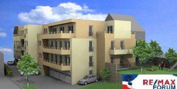 ECHTERNACHERBRÜCK (D), à 200 mètres de l\'ancien pont frontalier, <br>Résidence  ALICIA 1+2  à 13 unités.<br><br>Commission acheteur: 3,57% <br><br>1ère Phase: ALICIA 1<br><br>APPARTEMENT 2 au r-de-ch.<br>- surface habitable de 105,64 m2<br>- 2 chambres à coucher<br>- 1 hall d\'entrée <br>- 1 cuisine ouverte <br>- 1 salle de bain<br>- 1 débarras-stock<br>- 1 living - salle à manger<br>- 1 balcons<br>- 1 WC-visiteurs<br>- 1 cave<br><br>Garage fermée: 12.000 <br>Emplaçements intérieur: 6.500 - 8.000<br>Emplaçements extérieur: 5.000<br><br>La résidence répond à toutes les exigences du passeport BB d\'énergies renouvelables comme la basse énergie, chauffage de sol, triple-vitrage, pompe à chaleur, infrastructure panneaux solaires et photovoltaiques, emplacements des voitures au garage collectif ainsi qu\'individuel, ascenseur et caves. Sans oublier que toutes les pièces sont conçues dans le concept * sans barrières * de manière à servir une qualitée de vie supèrieure avantageux pour le 3e âge.<br>Les bicyclettes disposes d\'un abri sans frais.<br>Tous les raccordements sont modifiables avant le début de la construction.<br>Durée des travaux: 12-15 mois<br><br>Le projet immobilier est situé D-54668 Echternacherbrück (D), Bergstrasse, à proximitée directe (200mtr) du pont de l\'ancienne frontière au pas du parc communal et de la Sûre, donc seulement à 5 min. à pied du centre d\'Echternach.<br><br><br><br>A ECHTERNACH VOUS TROUVEREZ TOUTES LES UTILITES NECESSAIRES A LA VIE QUOTIDIENNE COMME LES ADMINISTRATIONS, LES BANQUES, CRECHES ET FOYERS DE JOUR, MAISONS DE RELAIS, ECOLE PRECOCE, PRESCOLAIRE et FONDAMENTALE, LES 2 LYCEES TECHNIQUE ET CLASSIQUES, MEDECINS, KINES, PHARMACIES, VETERINAIRES, LE CENTRE TOURISTIQUE, CULTUREL ET DE CONGRES TRIFOLION, SES NOMBREUX CLUBS ET ASSOCIATIONS SPORTIVES, LES LOISIRS AUTOUR DE LA VILLE ET PLUS PARTICULIEREMENT AU LAC D\'ECHTERNACH, SANS OUBLIER LES INNOMBRABLES MAGASINS ET SUPERMARCHES.<br><br>La localitée d\'Echternach se trouve à env