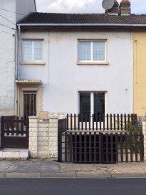 Belle maison dans quartier calme. EXCLUSIVITE au coeur de Rémelange, belle maison composée d\'une  spacieuse  cuisine équipée  , un salon accès à une grande véranda , une  salle d\'eau .<br/>à l\'étage 3 chambres et une  salle de bain <br/>combles aménageable. Double vitrage PVC garage  et jardin.<br/><br/><br/><br/><br/><br/><br/>