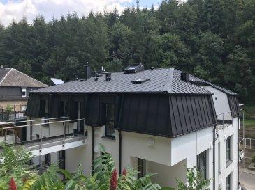 Fis Immobilière est fière de vous présenter une petite résidence de 5 unités située à 35, Rue du Grünewald L-1647 Luxembourg. Vous souhaitez habiter au 1er ou au 2ème étage et avoir un accès directe sur le jardin privatif depuis votre appartement ? Cela est possible avec la Résidence