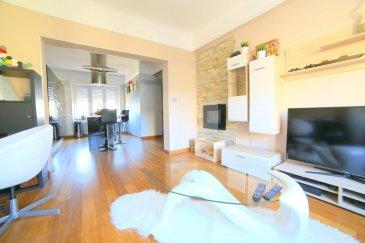 Tempocasa vous propose à la vente ce bel appartement situé dans une petite copropriété sur le quartier de Bonnevoie, proche des commerces et de toutes commodités. Il se compose de deux chambres à coucher, cuisine équipée, séjour, salle de bain. Une cave et un jardin complètent le bien. Disponible pour juin 2019.