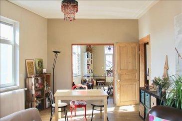 Début Schiltigheim à proximité de la place d\'Haguenau  Localisé dans une rue calme, proche des transports en commun, des commerces, écoles et de toutes commodités&period; Vous saurez apprécier ce logement de 97m2 renové avec goût&period;<br />Trés lumineux et traversant, celui-ci situé au 3éme étage d\'une petite copropriété&period; Sans vis à vis le logement se compose d\'une entrée, de 2 grandes chambres, d\'un volumineux double séjour donnant sur un balcon avec une vue degagée sur les toits, d\'une cuisine équipée , d\'une salle de bain avec douche et baignoire, d\'un wc&period;<br />Le logement est pourvu d\'une chaudière individuelle au gaz récente&period;<br />Les charges de coproriété sont de 94 euros mensuel&period;<br />Une cave et un local vélo complètent ce bien<br />Copropriété composée de 27 lots dont 9 lots habitations<br /><br />Prix de vente : 268 000,00 euros &lpar;dont 5&period;1&percnt; d\'honoraires charge acquéreur&rpar;<br /><br />Votre contact : Virginie DISS 0673153792