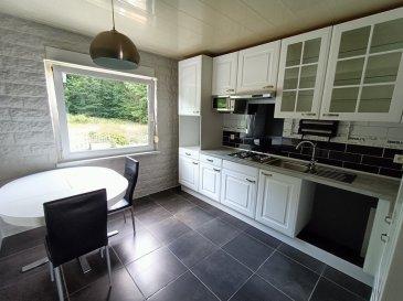 Grande Maison Hombourg-haut 10 pièce(s) 172.56 m². Nous vous proposons, en exclusivité, une grande maison de 172,56 m² à Hombourg-Haut. <br/><br/>Idéale pour une grande famille, ou une maison bi-familiale, elle vous séduira par ses volumes et sa clarté. <br/><br/>Vous disposerez, au rez-de-chaussée surélevé, d\'un salon-séjour, d\'une cuisine ouverte sur une salle à manger, de deux chambres, d\'un wc et d\'un débarras. <br/><br/>Au 1er étage, vous profiterez d\'un salon-séjour avec cheminée, d\'une cuisine, de 3 chambres, d\'un wc individuel et d\'une salle de bains. <br/><br/>Au sous sol, plusieurs caves. <br/><br/>Le terrain est clos, et à aménager. <br/><br/>UNE VISITE S\'IMPOSE !<br/><br/>Pour nous contacter : <br/>Nord Sud Immobilier : 03.72.64.01.02