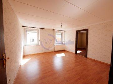New Keys vous propose vous propose à la vente cette maison à rénover d'une surface d'environ 160m2 située dans une rue tranquille proche de toutes les commodités de Mondorf-les-Bains.  Erigé sur 3 ares de terrain, le bien se présente comme suit: RDC : - Hall d'entrée, - Séjour, - Salle à manger, -Espace cuisine (à aménager) - WC séparé, - Chaufferie / buanderie avec accès à la terrasse,  Etage 1: - Hall de nuit, - 3 chambres, - Bureau ou 4ième petite chambre, - Salle de bains avec WC, - Accès à un grenier aménageable d'environ  58m2 au sol  Extérieur: -Terrasse d'environ 65m2  -2 emplacements de parking extérieurs -Cave à vin   Travaux de rénovation à prévoir.  LIBRE DE SUITE  N'hésitez pas à nous contacter au 352 691 216 830 ou par mail smarrocco@newkeys.lu pour plus d'informations et/ou une éventuelle visite.    COVID: Pour votre sécurité, nos visites sont effectuées avec des masques, des gants et limitées à 3 personnes par visite.  Les prix s'entendent frais d'agence inclus dans le prix et payable par le vendeur.  Nous recherchons en permanence pour la vente et pour la location, des appartements, maisons, terrains à bâtir pour notre clientèle déjà existante. N'hésitez pas à nous contacter si vous avez un bien pour la vente ou la location. Estimation gratuite.  Ref agence : 5003451