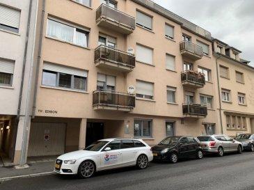 A RENOVER  *** sous compromis ***  En exclusivité chez Immax Invest ,vous présente un bel appartement lumineux, situe a bonnevoie, appartenant a la commune de Luxembourg. Situé au troisième étage d'un immeuble de 1981, l'appartement dispose d'une superficie de 64m2.  Comprenant d'un hall d'entrée ouvrant sur le beau double living de 22m2 et d'une chambre parentale accessible salle de bains ainsi que au balcon et   d'un bureau ou comme deuxième chambre qui mène a la cuisine , Wc sépare accès par couloir.(possibilité 3 éme chambres pendant la rénovation avec les autorisations déjà jointe et acceptée)  L´appartement possède aussi une cave privative de 11,50 m2 et d´un grand garage ferme privatif (type box) de 16,50m2 (possibilité de installer un car-lift manuel électrique pour deuxième voiture en hauteur.  Ilest équipée d´une porte de sécurité, les châssis ont été remplaces récemment (3 mois) par du triple vitrage avec volets électriques marque Schuco.  L`appartement est libre de suite a l`acte notarié.  Les plans de rénovations sont fournis avec (ouverture des murs pour un énorme salon et aussi un deuxième accès pour la  salle de bain. 3 devis par entreprise sérieuse vous seront remis.  Tout est fait pour que cette achat se passe dans les meilleurs conditions.   Idéal Investisseur (a  nous contacter pour en savoir plus). business plan 5,5% rapport retour sur investissement  Pour plus de renseignement contactez-nous au 621 41 41 41.