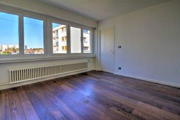 Metz appartement F2 de 45m2. Spécial investisseur. Appartement entièrement rénové , composé d'une cuisine équipée, une grande pièce à vivre, un chambre et une salle de bains neuve ,garage fermé ,cave et parking extérieur .Proche de toutes les commodités. Loué 450€ hors charges. Pour un rdv contactez Mr HARMENT au 0787851545   Copropriété de 8 lots (Non soumis à un impayé). Charges annuelles : 2100.00 euros.