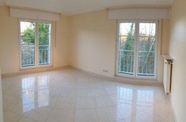 Appartement de 86 m2 au premier étage dans une petite résidence privilégié avec 2 chambres, 1 living, 1 cuisine équipé, 1 balcon, 1 garage fermé, 1 cave et buanderie