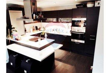 RE/MAX Luxembourg, spécialiste de l\'immobilier à Kayl, vous présente ce bel appartement moderne de -+70 m2 habitables, érigé sur un très grand terrain de +-163 m2 privatif avec chalet.<br>L\'appartement se compose comme suit:<br><br>- 1 Cuisine équipée moderne<br>- 1 Salle de bain<br>- 2 Chambres<br>- 1 Terrasse<br>- 1 très grand terrain de 163 m2 privatif<br>- 1 Chalet<br><br>Emplacement de parking très facile à trouver<br />Ref agence :Kayl