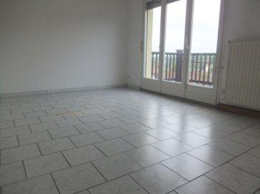 Location Appartement à Lembach. GC Immobilier vous propose un appartement entièrement refait à Lembach, 3 pièces de 60 m² au 2è étage dans un immeuble de 6 logements, au calme.L'appartement comprend :- une entrée- un salon donnant sur une belle terrasse- une cuisine non équipée- 2 chambres- un WC séparé- une salle de bain- une caveChauffage collectif au fuel.Loyer de 430 € /moisProvision sur charges de 110 € /mois avec une régularisation annuelleHonoraires d'agence : 430 € TTC (1 mois de loyer) à la charge du locataireContactez votre agent immobilier Nadia Billmann qui vous conseillera et renseignera. GC Immobilier - 03 88 94 79 91 ou portable 06 84 79 14 92.