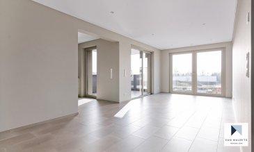 L'appartement, se situe dans le paisible village de Contern, dans la résidence ORFEO composée de 7 unités, dit «de luxe», construite avec des matériaux de qualité en 2021 et bénéficiant de tout le confort moderne. La résidence est ultra sécurisée avec système de badges pour ouvrir les portes et systèmes de caméras surveillance dans les parties communes.   L'appartement de ±84,05m² situé au 1er étage se compose comme suit: la porte blindée en cinq points s'ouvre sur un hall ±5m², avec placards intégrés sur mesure, donnant accès à un séjour de ±28m²; cuisine indépendante de ±13m² et totalement équipée SIEMENS (frigidaire, congélateur, évier, plaque de cuisson, hotte à charbon …): une terrasse couverte de ±9,5m et exposée Sud; un couloir de ±4m²; une première chambre de ±15m² avec rangements intégrés; une seconde chambre de ±11,5m²; une salle de bain de ±6,5m²avec lavabo, miroir, douche, baignoire et wc; une toiletter indépendante de ±2m².  Au sous-sol, une cave servant également de buanderie privative est incluse dans le loyer. Une place de parking peut être louée pour 150-€ par mois,  Généralités:  Vidéophone; Fibre optique; Chauffage au sol; Performances énergétiques: AAA; Triple vitrage; Stores à lamelles électriques; Ascenseur; Porte blindée en 5 points; Pas de clé, accès à l'ensemble de la résidence par badge; Wifi et abonnement TV (Eltrona) inclus dans les charges; Place de parking dans garage sécurisé en option pour 150-€/mois; VMC «PAUL», les filtres peuvent être adaptés contre certaines allergies; 10 minutes de Luxembourg-ville; Station de bus à proximité;¨ Nouveau centre commerciale de Contern à proximité avec supermarchés, restaurants, …  Loyer: 2000-€/mois; Charges: 300-€/mois (inclus abonnement wifi, abonnement tv, charges communes, consommation eau, consommation chauffage, nettoyage des communs, gérance, assurance locative); Garantie bancaire ou dépôt: 3 mois de loyer; Disponibilité: 1er Avril 2021; Contrat de bail de min. 3 ans; Frais d'agence: 1 mois d