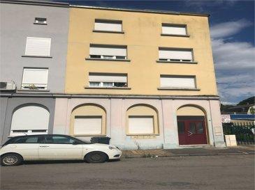 A VENDRE AU CENTRE VILLE DE LONGWY BAS ( FACE A LA GARE SNCF ET LA ROUTIERE) UN IMMEUBLE DE RAPPORT,  COMPRENANT 4 APPARTEMENT AVEC BAIL EN COUR,  AU REZ-DE-CHAUSSEE: Un appartement de type F1 loué 400€,  AU 1ER ETAGE: Un appartement de type F2 loué 400€,  AU 2EME ETAGE: Un appartement de type F2 loué 400€,  AU 3EME ETAGE: Un appartement de type F2 loué 400€,  RAPPORT MENSUEL 1 600€, RAPPORT ANNUEL   19 200€,  TAXE FONCIERES: 1 380€,  PAS DE TRAVAUX A PREVOIR, DOIBLE VITRAGE PVC, CHAUFFAGE ELECTRIQUE, DALLE BETON, TOUT A L\'EGOUT,