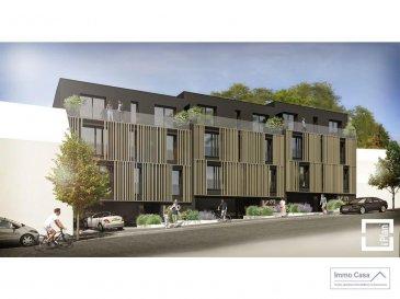 Immo Casa vous propose une nouvelle résidence située dans le quartier du Kiem à Luxembourg-Neudorf offrant des prestations de très haut standing.  Trois immeubles de 3 étages composé de 9 logements dont 3 penthouses.  Les appartements bénéficieront de 2 orientations ce qui permettra une luminosité optimale puisqu'ils seront traversants.  Nous vous proposons par exemple ce logement comprenant une cuisine ouverte sur le salon donnant accès sur une terrasse (23.50m2), 2 chambres à coucher, deux salles de douche, un wc séparé, une cave et un jardin privatif (66m2). La conception à l'arrière du bâtiment permettra aux résidents d'accéder à leur jardin privatif.  Les prix affichés avec la TVA de 3%  Possibilité d'acquérir une place de stationnement intérieur à 55 000 € HTVA.  Pour d'autres informations veuillez contacter l'agence. Ref agence :1906559