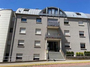 Duplex à Schifflange  - Hall d'entrée - Cuisine équipée - Salon - Living avec sortie balcon - WC séparé - 2 chambres à coucher  - Salle de douche  - Cave  - 2 emplacements intérieur   Nous vous invitons à nous rendre visite ou contacter l'un de nos commerciaux pour plus d'informations.  M. Moura Jemp  +352621216646  M. Marc Risch  +352621210333  Les surfaces et superficies sont indicatives  Rejoignez-nous sur Facebook : Newjomar Belval