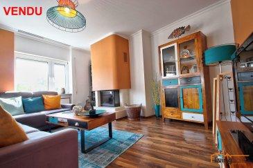 ***VENDU***Bel appartement spacieux situé en plein coeur de la Ville de Schifflange, d\'une surface habitable de 135,79 m², situé au 3e étage d\'une résidence construite en 1994. Le bien dispose également d\'une belle terrasse. Exposition plein Sud.<br>L\'appartement dispose également au sous-sol d\'un emplacement intérieur pour 2 voitures, d\'un emplacement extérieur, ainsi qu\'une cave privative et d\'un jardin commun. <br><br>DESCRIPTION: (surface habitable 135,79 m2)<br>- Hall d\'entrée (15 m2)<br>- WC séparé avec espace raccordement machines à laver et sèche-linge<br>- salle de bain (14,72 m2) avec baignoire et douche, double lavabo et WC<br>- 1 chambre à coucher (21 m2)<br>- 1 chambre à coucher (12 m2)<br>- 1 chambre à coucher pouvant servir de bureau (15 m2)<br>- 1 grand living (39 m2) avec feu ouvert<br>- 1 cuisine équipée indépendante (16 m2) avec accès sur balcon (17,17 m2)<br><br>SOUS-SOL:<br>- 1 cave<br>- 2 emplacements intérieurs<br>- 1 emplacement extérieur<br><br>LES COMMUNS:<br>- grenier (partie privative définie) <br>- jardin (partie privative définie)<br><br>Aspects techniques:<br>- fenêtres PVC double vitrage<br>- cuisine de qualité supérieure, entièrement équipée, grandes capacités de rangement<br>- cheminée (feu ouvert)<br>- chauffage au gaz de ville<br>- pas d\'ascenseur<br><br>SITUATION GEOGRAPHIQUE:<br>- Esch/Alzette à 10 minutes<br>- Luxembourg-Kirchberg 35 minutes<br> <br>SITUATION:<br>SCHIFFLANGE est situé au SUD du pays à 10 minutes de Esch/Alzette. Le transport public est assuré par les autobus de ligne, ainsi que la ligne ferroviaire, ainsi que toutes les commodités qu\'offre la Ville de Schifflange et ses alentours, comme p.ex. hôpitaux, centres médicaux, pharmacies, commerces locaux, banques, centres commerciaux, école fondamentale, maison relais, crèches, lycées et piscines municipales, sentiers pédestres. <br><br>Pour tous renseignements supplémentaires contactez-nous aux numéros suivants :<br>Carine DEI CAMILLO     00352 621 45 32 