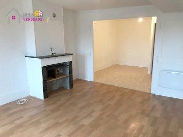 Appartement à l'entrée de Lunéville au 2ème et dernier étage comprenant une cuisine, un salon, une chambre, une salle d'eau avec un WC.  Un grenier.