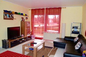 ***SOUS COMPROMIS **** RE/MAX Partners, Carina Santos, spécialiste de l'immobilier à Kayl, vous propose ce joli appartement d'une superficie d'environ 53 m2 habitables. Situé dans une rue calme, dans une résidence de 4 étages, il se compose de la manière suivante:  Un hall d'entrée qui dessert chacune des pièces de l'appartement où vous trouverez un petit débarras. Une grande pièce de vie salle à manger/séjour/cuisine ouverte d'environ 30 m2 avec un accès sur une terrasse. Une chambre d'environ 13 m2. Une salle de bain composée d'une baignoire, un lavabo et un WC.  Une buanderie commune ainsi qu'une cave privative viennent parfaire ce bien.  Cet appartement est vendu avec un box fermé.  Disponibilité immédiate.  CONTACT : CARINA SANTOS au 621 187 350 ou carina.santos@remax.lu