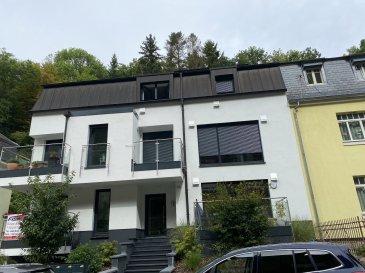 Fis Immobilière est fière de vous présenter un Appartement en location dans une petite résidence de 5 unités située à 35, Rue du Grünewald L-1647 Luxembourg.  Très bien située cette résidence est à 1km de l'Utopolis, à 1 km de l'hôpital du Kirchberg, 3km de l'aéroport, 4km des institutions européennes et du BEI, 4km du centre-ville et à proximité des principaux accès autoroutiers, il s'agit d'une première location et aussi disponible immédiate.   Veuillez nous contacter au plus vite pour de plus amples informations. Toute l'équipe de FIS Immo se fera un plaisir de répondre à toutes vos questions au +352621278925.