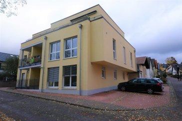 Der Luftkurort Bollendorf hat ca. 1.800 Einwohner und befindet sich in der Verbandsgemeinde Südeifel im grünem und ruhigem Sauertal, direkt an der Grenze zu Luxemburg, 7 km von Echternach.Bollendorf hat alle benötigen Freizeit- und Einkaufsmöglichkeiten wie Restaurants, Hotels, Ärzte, Apotheke, Grundschule u.a.  Die Wohnung befindet sich im Erdgeschoss in einem kleinen, zwei Jahre altem Gebäude direkt neben der Sauer.  Die Wochnung hat eine Totalfläche von 73 m², mit einem Wohzimmer/Küche von 35 m², Schlafzimmer 16 m², Badezimmer mit Dusche und Gäste-WC.  Türsprechanlage, elektrische Rolladen, ein Waschraum, ein Kellerraum und ein Außenparkplatz gehören zur Wohnung.  Allegemeines:  - 300 Meter von der Brücke nach Luxembourg entfernt, 7 km von Echternach - Sehr ruhige Lage, 150 zur Sauer - Südlage - Die Wohnung ist wie neue - Nebenkosten c. 150 €'s - Energieklasse A+/A - Für den Käufer provisionsfrei