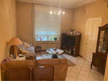 Real G Immo, vous présente en vente une maison jumelée  à rénover avec du potentiel, sur un terrain de 2.18 ares, sise à Lamadelaine (commune Pétange).<br><br>La maison vous offre une totale de +/-160m2, qui se répartie comme suit:<br>rdch: hall d\'entrée, living/salle à manger, cuisine et véranda.<br><br>1er étage: 2 chambres à coucher et salle de bain.<br><br>Grenier partiellement aménagé avec une chambre.<br>Possibilité d\'aménagé encore une 2ème chambre et salle de douche.<br><br>Sous-sol: grande cave, chaufferie / buanderie.<br><br>2 terrasses, un jardin et un garage (à rénover) complètent ce bien.<br><br>POUR INFORMATIONS:<br>- chaudière de 2005<br>- nouveau compteurs d\'électricité tri basique (à lecture de distance)<br>- toiture révisé / refaite en 2019<br><br>Pour plus de renseignements ou une visite (visites également possibles le samedi sur rdv), veuillez contacter le 28.66.39.1.<br><br><br>