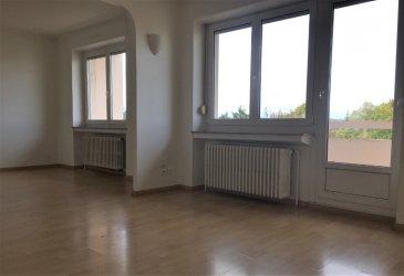 Appartement Thionville 3 pièce(s) 62 m2. SOUS COMPROMIS   Bel appartement F3 au dernier étage composé d\'une entrée, un séjour accès grand balcon, 1 chambres, possibilité deuxième chambre, salle de bains avec baignoire, wc séparé, cuisine avec accès balcon, cave, garage.<br/>Chauffage individuel au gaz. Double vitrage pvc<br/><br/>a saisir !