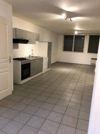 A DEUX PAS DE LA PLAGE  REF: 6013  Appartement neuf  rez de chaussée,  PRES DE LA MER d\'une surface de 71.51 m2 comprenant: Hall, séjour/cuisine de 32.74 m2, deux chambres, wc,salle de bains. Une place de parking  DPE : E   GES : C  Bien en copropriété : 5 lots  Charges courantes : 240 €/an  Pas de procédure en cours   Prix :  140 700 € *  *Dont Honoraires 5 % TTC à la charge de l\'acquéreur calculés sur la base du prix net vendeur  Prix hors honoraires :  134 000 €
