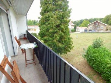 Bel Appartement f4, 73m², 2 chambres, balcon,garage. Très au calme,<br/>Dans un petit collectif de 4 appartements,<br/><br/>Au 1er étage surélevé,<br/><br/>Bel F4 de 73m² habitables offrant:<br/><br/>-Hall d\'entrée, cuisine équipée indépendante avec cellier/buanderie, salon séjour double d\'environ 30m² avec accès un balcon orienté plein ouest et offrant une vue dégagée, salle de bains avec baignoire et meuble vasque, 2 chambres parquetées de 12m²,wc séparée.<br/><br/>Un grand garage de 35m²<br/><br/>DV PVC avec volet roulant,chauffage central au gaz (chaudière chappee),système électrique en sécurité<br/><br/>Syndic bénévole charge de copro de 50€/ mois (comprenant assurance du batiment, élec des communs,frais de gestion,entretien des espaces vert)+charge d\'eau suivant consommation<br/><br/>Pas de travaux prévu au sein de la copro (toiture et isolation du toit refaite en 2013)<br/><br/>Mr Antonoff : 06-52-83-85-07<br/><br/><br/>Copropriété de 4 lots (Pas de procédure en cours).<br/>Charges annuelles : 600.00 euros.