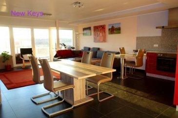 New Keys vous propose ce bel appartement situé sur les hauteurs de Medernach, dans une petite résidence construite en 2010, calme et bien entretenue.  Lumineux et fonctionnel, ce charmant appartement d'une surface de +/- 80 m2 se présente de la manière suivante:  - Hall d'entrée,  - Cuisine équipée et ouverte avec un débarras,  - Grand living avec accès au balcon, - WC séparé,  - Salle de bain, - 2 Chambres à coucher, - Balcon sans vis-à-vis de +/- 12m2  Pour compléter ce bien, vous profiterez également de: - 2 Emplacements de parking intérieur - Cave privative - Buanderie   Prestations de qualités (volets électriques, double vitrage, ascenseur dans la résidence, parking visiteurs...). A voir rapidement !  Pour tout renseignement et/ou visite, n'hésitez pas à contacter le 661 120 388 ou par email à l'adresse info@newkeys.lu.
