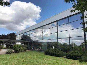 Tempocasa Strassen, vous propose un bureaux lot 11b dans un site industriel<br><br>Hall  11b<br>Loyer: <br>12,50€/m2   à 608 m2  = 7.600€/mois + TVA<br>Charges + énergies:<br>3,00€/m2     à 608 m2  = 1.824€/m2 + TVA<br><br>Parking 40,00€ /mois/par emplacement + TVA<br><br>Pour avoir de plus amples renseignements, n\'hésitez guère de contacter l\'agence.<br><br>Nadia Bensi<br>+352 621143693