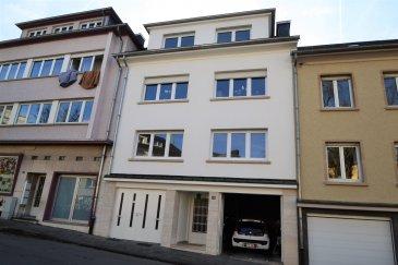 Situé à Belair, quartier recherché de Luxembourg, ce studio de ± 20 m2 comprend: un séjour ± 13 m2, une cuisine séparée ± 4 m2 bien équipée et neuve avec machine à laver le linge et une salle de douche ± 3m2 lavabo, bidet et wc. Un jardin privatif ± 60 m2 et un petit espace de rangement font également partie de l'offre.  Généralités : -Jardin privatif ± 60m2 orienté sud-est ; -Chaudière individuelle ; -Charges : 25€/mois ; -Campus scolaire Geessekneapchen (ISL, Aline Mayrisch, Athénée), conservatoire, commerces et transports en commun à proximité.