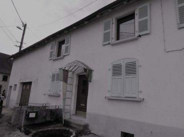 MAISON ROHRBACH LES BITCHE - 4 pièce(s) - 113.45 m2. 10 minutes de Rohrbach les Bitche :~Maison lorraine de 113m²~~Maison composée au rez-de-chaussée d\'une entrée, cuisine, un salon, deux salles d\'eau, une cuisine d\'été et un atelier. Au 1er étage, elle comprend deux chambres et un dégagement. Les combles sont aménageables et l\'habitation dispose de deux garages. Prévoir travaux. Terrain de 975m²~~Contact Nord Sud Immobilier à ROHRBACH LES bitche AU 03 87 96 33 84 OU à Bitche Au 03 87 27 01 80 ou à SARREGUEMINES au 03 87 02 83 36